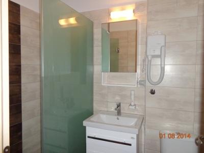 Двустаен апартамент -  баня