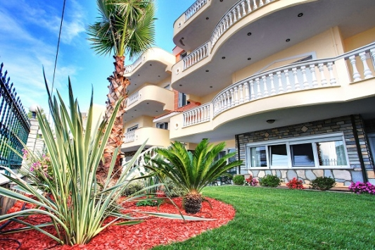 "Вила ""Екселсиор"" - малък комплекс четиристайни луксозни апартаменти"