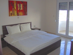 Двустаен апартамент спалня